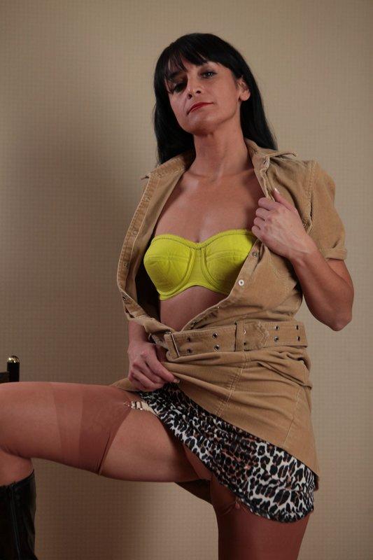 claudia striptease sexy ass videos